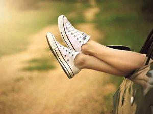 Schöne glatte Beine mit Entwachsung