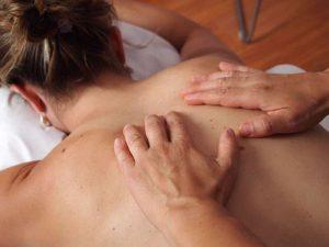 Bei unseren medizinischen Massagen lockern wir Ihre Muskulatur