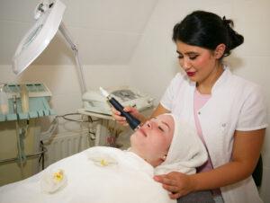 Die innovative Ultraschall-Anwendung ist Teil unserer Gesichtsbehandlungen